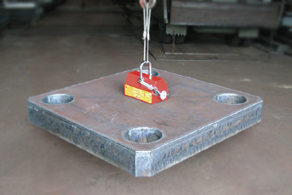 techniks lifting magnet holding large flat metal material